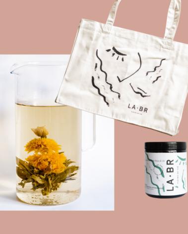 Coffret cabas et fleurs de thé